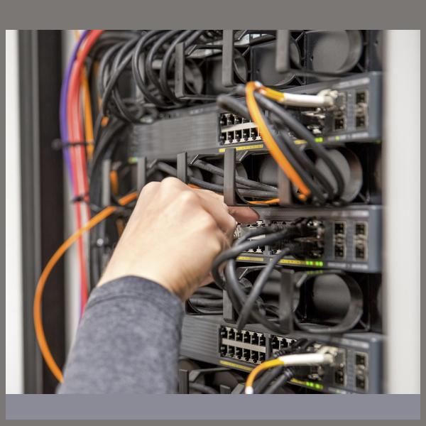تامین تجهیز، نصب و برقراری ارتباط مخابراتی امور انتقال برق استان ایلام - شرکت برق منطقهای غرب با استفاده از مالتیپلکسرهای نوری کم ظرفیت